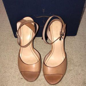Pour la victoire block heel sandal tan size 8.5